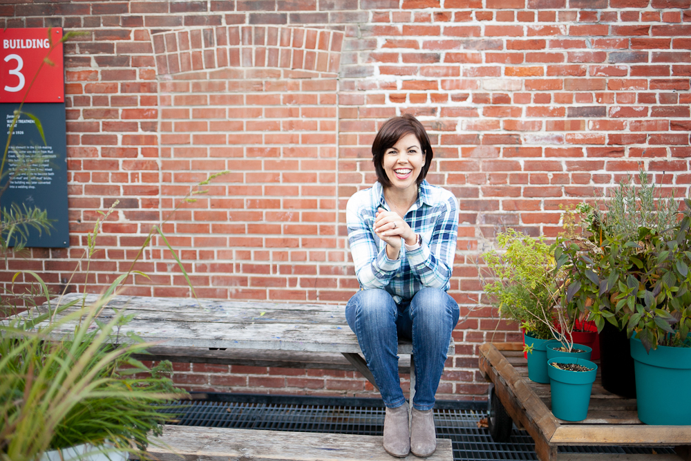 Lianne Kim is the founder and CEO of Mamas & Co., an incredible online community for mama entrepreneurs.